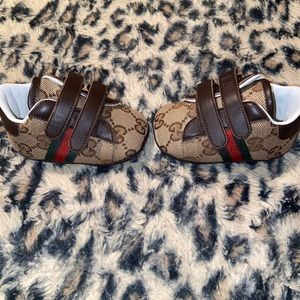 Infant Gucci shoes size 16